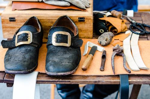 Professionalisierung des Schuhhandwerks im Mittelalter