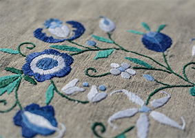 embroidery-2434980_640