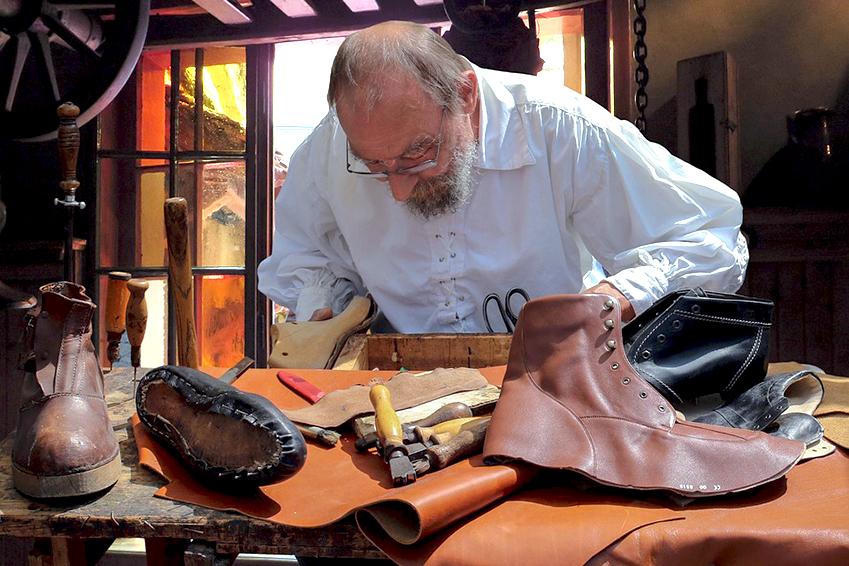 shoemaker_849x566